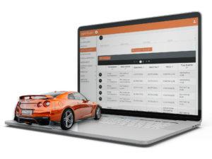 mockup fleet manager laptop auto arancione sulla tastiera